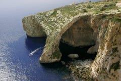 蓝色gozo洞穴海岛马耳他 免版税库存图片