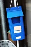 蓝色letterbox 库存照片