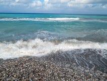 蓝色loguna海滩小卵石 免版税库存图片