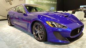 蓝色Maserati Gran体育 库存照片