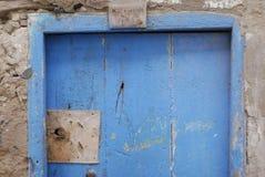 蓝色rusctic摩洛哥门 库存图片