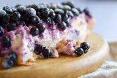 蓝草莓饼特写镜头  图库摄影