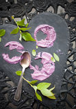 蓝莓冰淇凌蛋糕 免版税图库摄影
