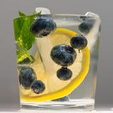 蓝莓夏天柠檬水 免版税库存图片