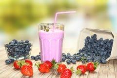 蓝莓奶昔 免版税库存图片