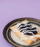 蓝莓果馅奶酪卷 库存图片