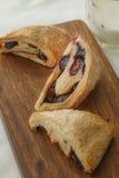蓝莓烤饼 免版税库存图片