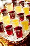 蓝莓白兰地酒详细资料蜂蜜酒 图库摄影