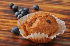蓝莓麸面松饼 图库摄影