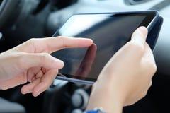 蓝蓝在电话有选择性的技术淡色调白色的企业概念精美重点关键董事会膝上型计算机豪华移动电话 库存图片