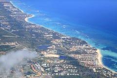 蓬塔Cana热带手段,鸟瞰图 免版税库存图片