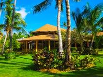 蓬塔Cana,多米尼加共和国- 2013年2月02日:在棕榈下的VIK竞技场布朗卡旅馆 免版税库存照片