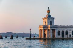 蓬塔della Dogana美术画廊 库存照片