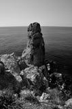 蓬塔Faraglione岩石景色BW, Giglio海岛,意大利 免版税库存照片