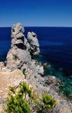 蓬塔Faraglione景色, Giglio海岛,意大利 库存图片