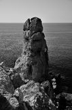 蓬塔Faraglione景色BW, Giglio海岛,意大利 免版税库存图片