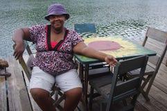 蓬松卷发加勒比妇女 免版税图库摄影