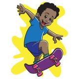 蓬松卷发男孩踩滑板的奥利 库存图片