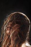 蓬松湿头发 库存照片