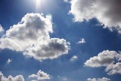 蓬松的云彩 库存照片
