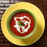 蓬蒿红醋栗汤蕃茄 库存图片