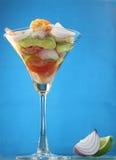 蔬菜和海鲜热带沙拉  免版税库存图片