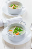 蔬菜汤用碾碎干小麦 免版税库存图片