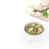 蔬菜汤用花椰菜和青豆和菜 库存图片