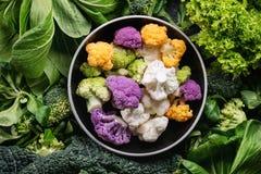 蔬菜沙拉,圆白菜,五颜六色的素食者 库存图片