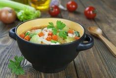 蔬菜通心粉汤 库存图片
