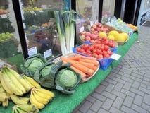 蔬菜水果商显示 免版税图库摄影