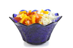 从蕃茄、胡椒和圆白菜的沙拉在一个玻璃花瓶 免版税图库摄影