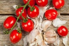 蕃茄和大蒜 库存照片