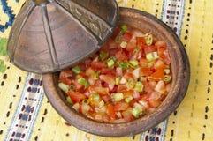 蕃茄和春天葱沙拉 免版税库存图片