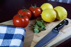蕃茄和柠檬 图库摄影