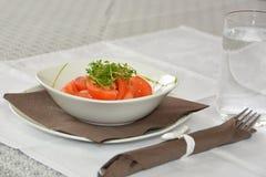 蕃茄水芹沙拉 库存图片