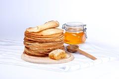 薄煎饼和蜂蜜 免版税库存图片