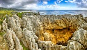 薄煎饼岩石,新西兰 图库摄影