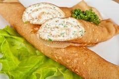 薄煎饼希腊白软干酪 免版税库存照片