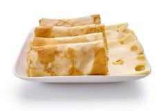 薄煎饼用乳酪在白色背景被隔绝 免版税库存图片