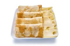 薄煎饼用乳酪在白色背景 免版税库存照片