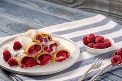 薄煎饼用莓 免版税库存图片