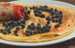 薄煎饼用蓝莓 库存照片