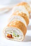 薄煎饼rolles用酸奶干酪 免版税库存照片