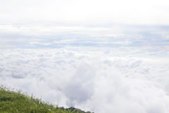 薄雾海在一座山的一个早晨在泰国 库存照片