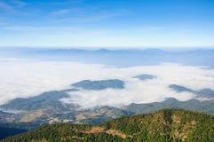 薄雾海在土井Inthanon国家公园,泰国的 免版税图库摄影