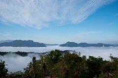 薄雾海在Mae Moei国家公园的 免版税库存照片