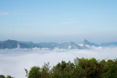 薄雾海在Mae Moei国家公园的 库存图片