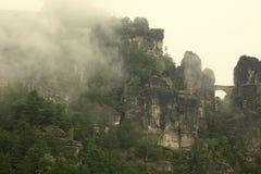 薄雾的撒克逊人的瑞士 免版税库存图片