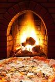 薄饼用火腿,蘑菇和在火炉开火 库存图片
